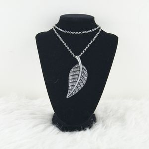 H&M | Silver Leaf Necklace